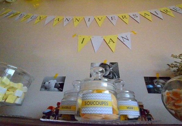 le premier anniversaire de leni du jaune du gris et du blanc. Black Bedroom Furniture Sets. Home Design Ideas