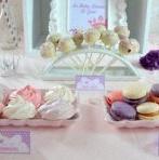 Vidéo : la baby shower Princesse d'Ema en rose, parme et violet