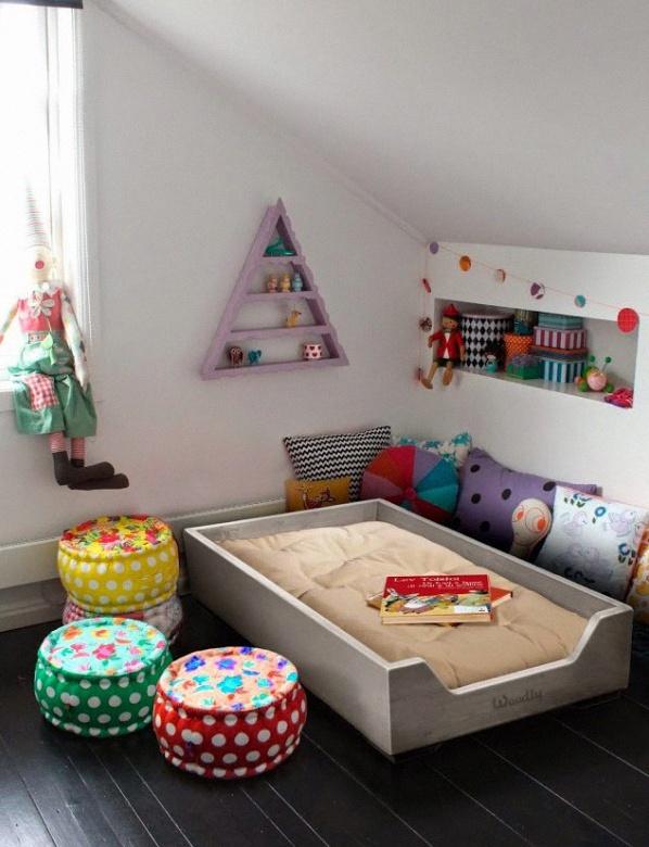 10 jolis coins lit pour une chambre de b b dans l 39 esprit - Camera montessori ...