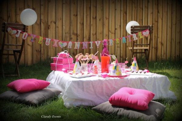 Fabuleux Pique-nique et goûter dans l'herbe pour un 2e anniversaire girly WI71