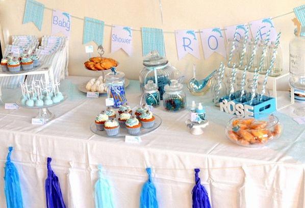 Une baby shower en bleu et blanc sur le th me des dauphins - Idee pour baby shower ...