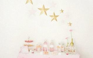 Une Baby shower en rose et or, sur le thème Etoiles