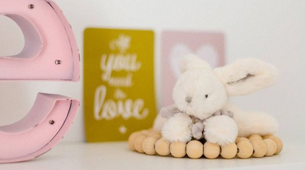 Chambre b b rose poudre id es de d coration et de mobilier pour la conception de la maison - Deco chambre rose poudre ...