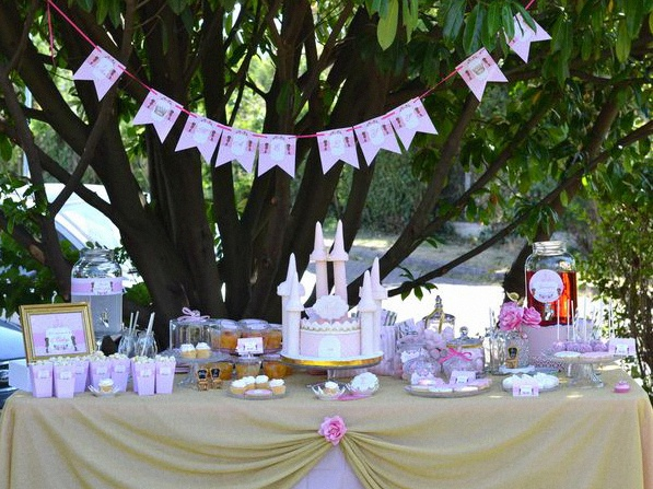décoration sweet table anniversaire princesse