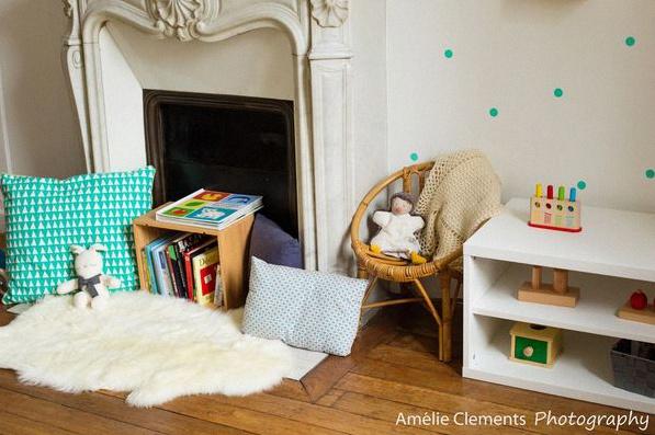 Miroir chambre b b montessori for Chambre montessori 6 ans