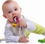 La tétine de bébé au quotidien : trucs, astuces, erreurs à éviter