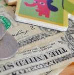 Parents, voici 11 astuces pour dépenser moins d'argent tout en se faisant plaisir