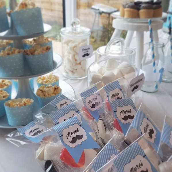 cadeau d'invité baby shower moustache