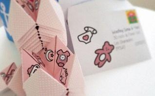 Un faire-part de naissance en forme de cocotte en papier