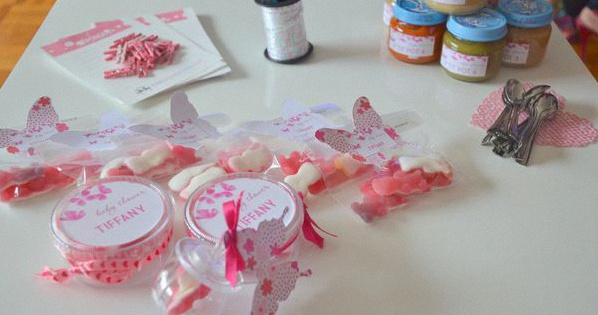 sweet table baby shower papillons décoration bapteme baby shower papillons
