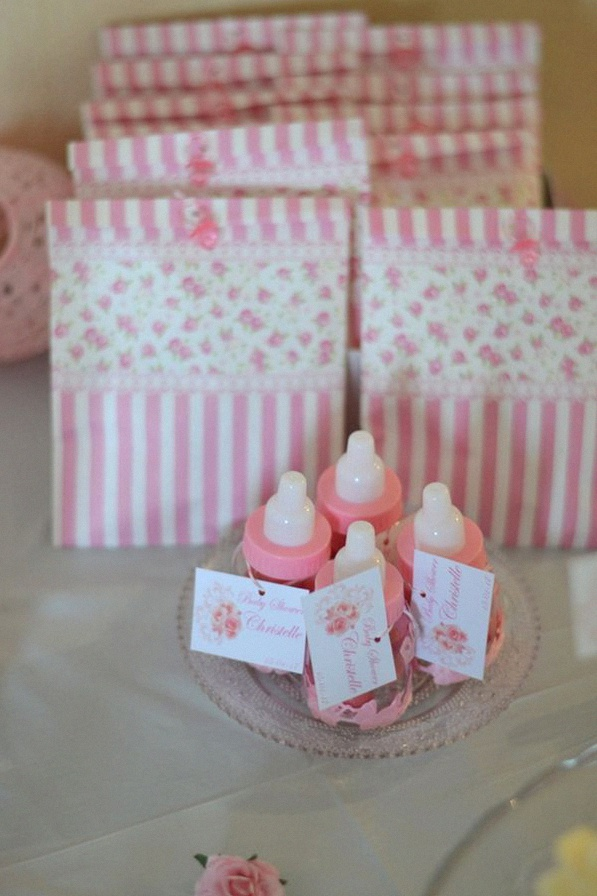 Baby shower surprise Baby shower rose décoration fleur rose sweet table fleur rose