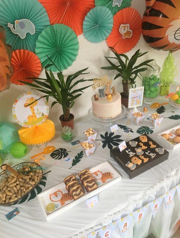 Un premier anniversaire sur le th me animaux de la jungle for Deco table jungle