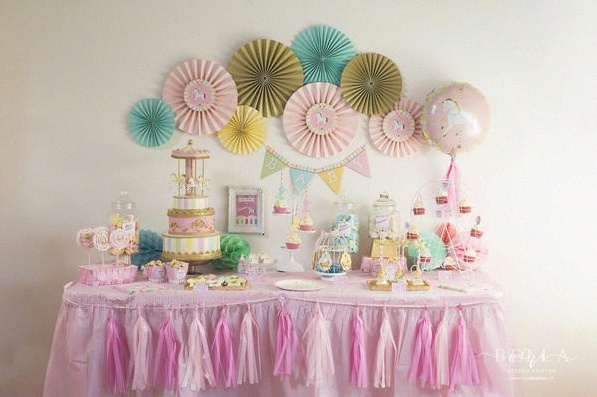 baby shower carrousel sweet table décoration carrousel
