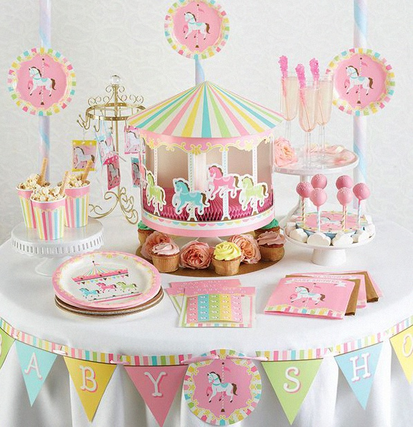 licorne et carrousel 2 th mes tendance de baby shower ou d 39 anniversaire. Black Bedroom Furniture Sets. Home Design Ideas
