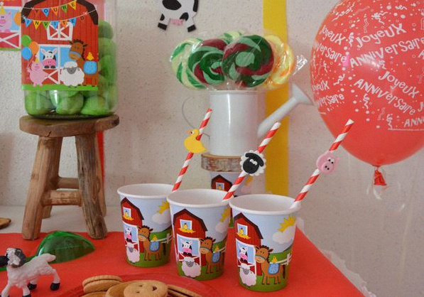 sweet table anniversaire animaux de la ferme gobelets décore pailles
