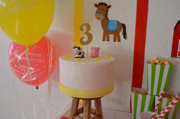 sweet table anniversaire animaux de la ferme gateau