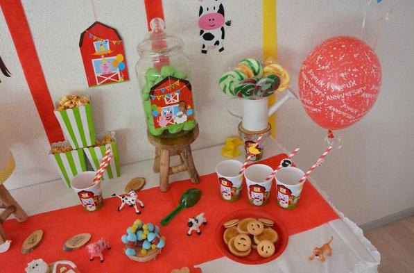 sweet table anniversaire animaux de la ferme gobelets décoration pailles