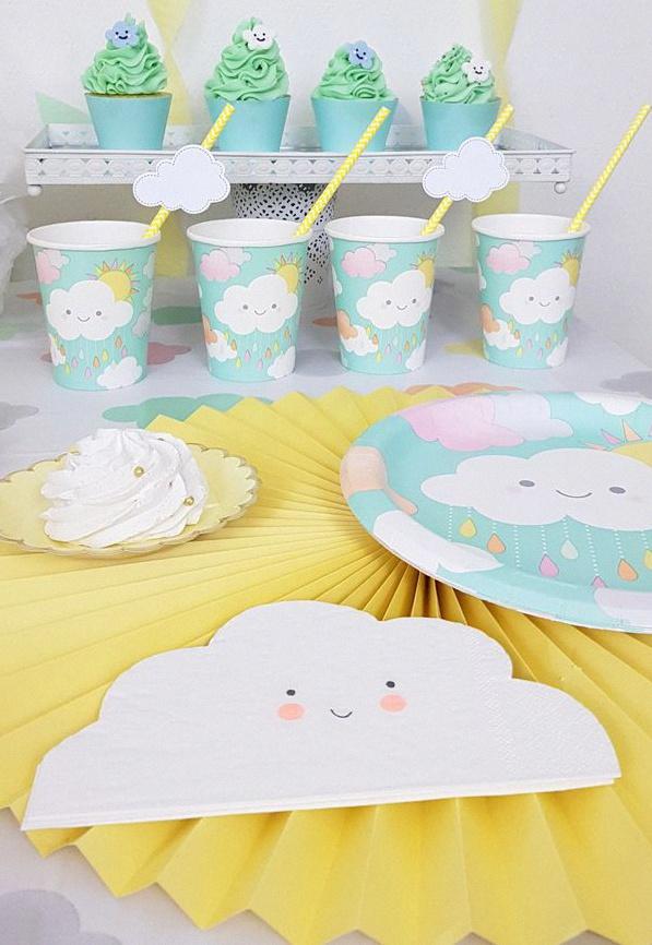 décoration baby shower nuages et soleil pastel sweet table nuages