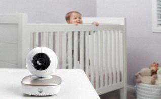 Quel babyphone vidéo choisir ? Top 5 des meilleurs écoute-bébé vidéo